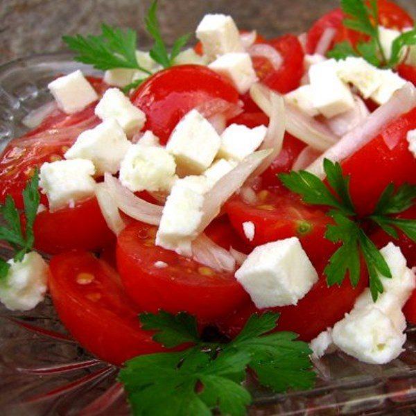 salata de rosii cu telemea